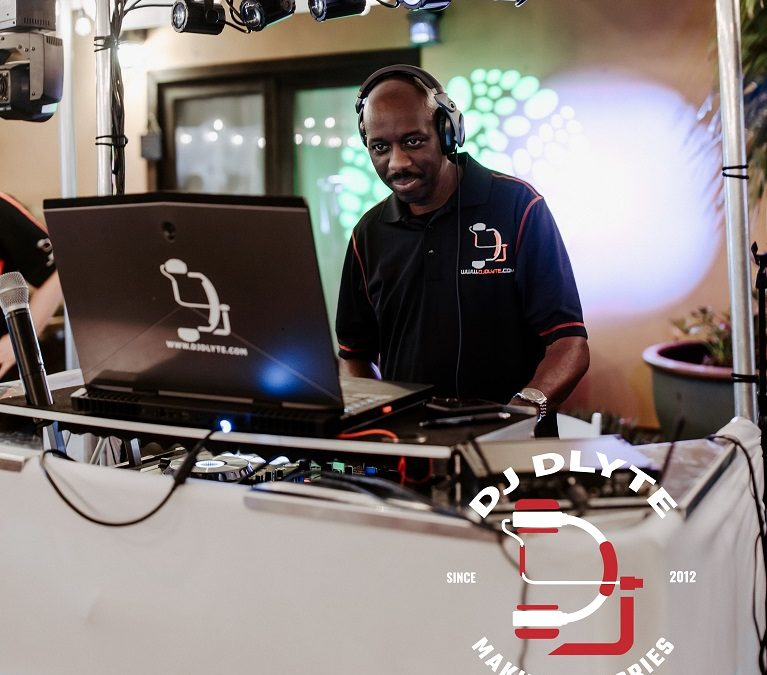 DJ D-LYTE Named Winner in 2020 WeddingWire Couples' Choice Awards®